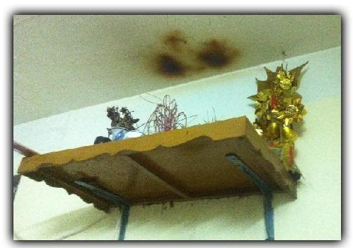 Trần nhà bị ám khói
